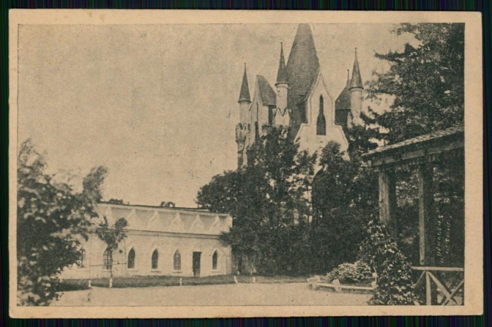 Вигляд парацу на поштівці 1928 року. Зображення з Національної бібліотеки Польщі