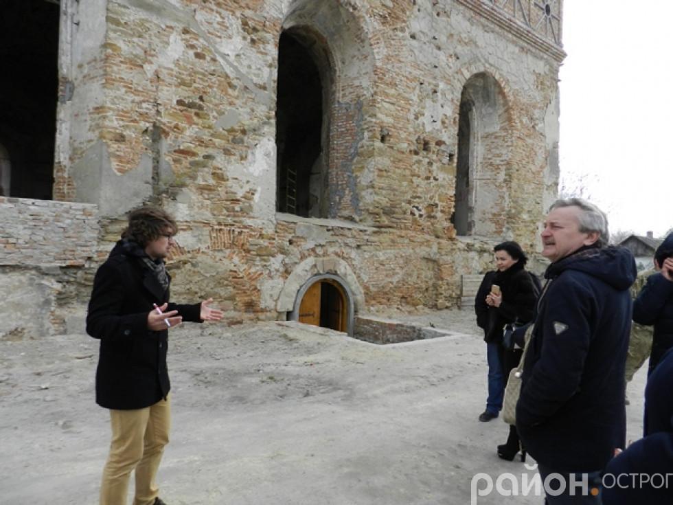 Екскурсія синагогою