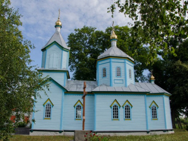 Храм у селі Стадники