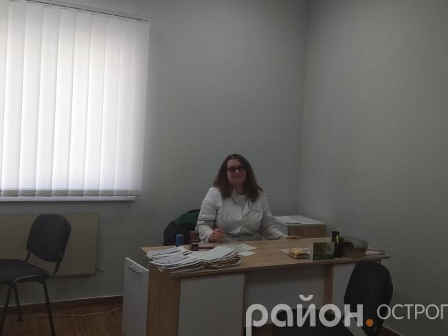 Маргарита Колесник - лікарка в селі Плоске