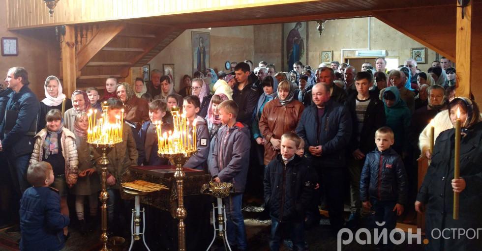 Під час богослужіння в Свято-Космо-Даміанівському храмі Розважа
