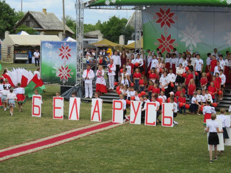 Посадовці Острозького району побували в Білорусі