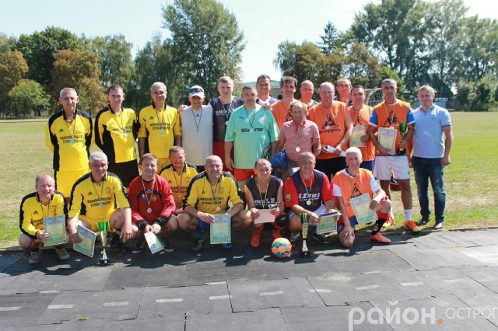 Учасники турніру з футболу 45+