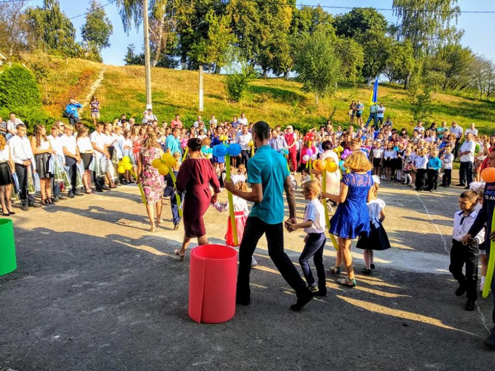 Свято в школі села Розваж