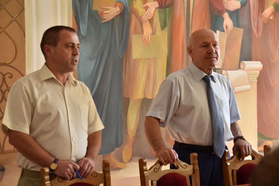 Едуард Балашов та Ігор Пасічник вітають учасників проєкту