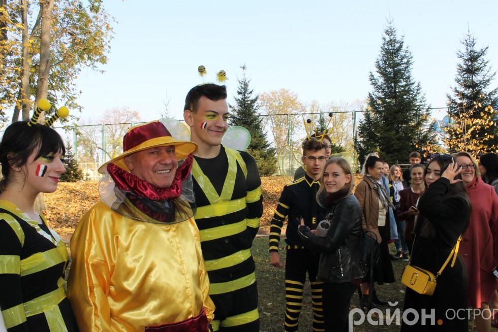 Ректор зі своїми бджолами
