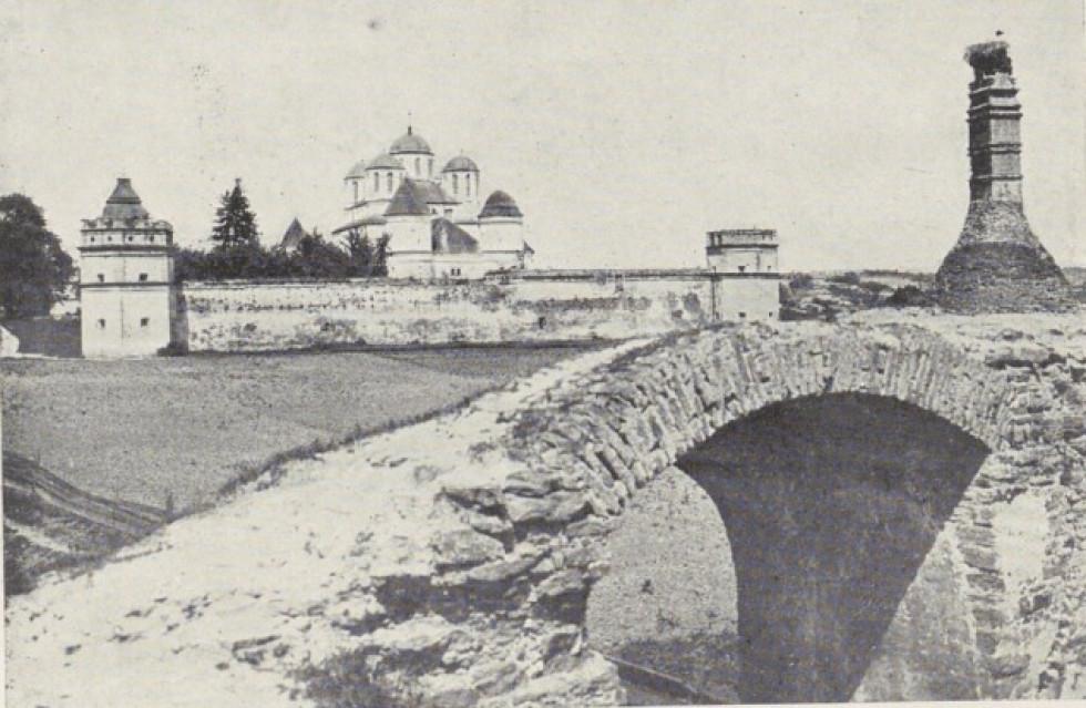 2.Межиріцький монастир та старосвітська піч кухні Казимира Великого.