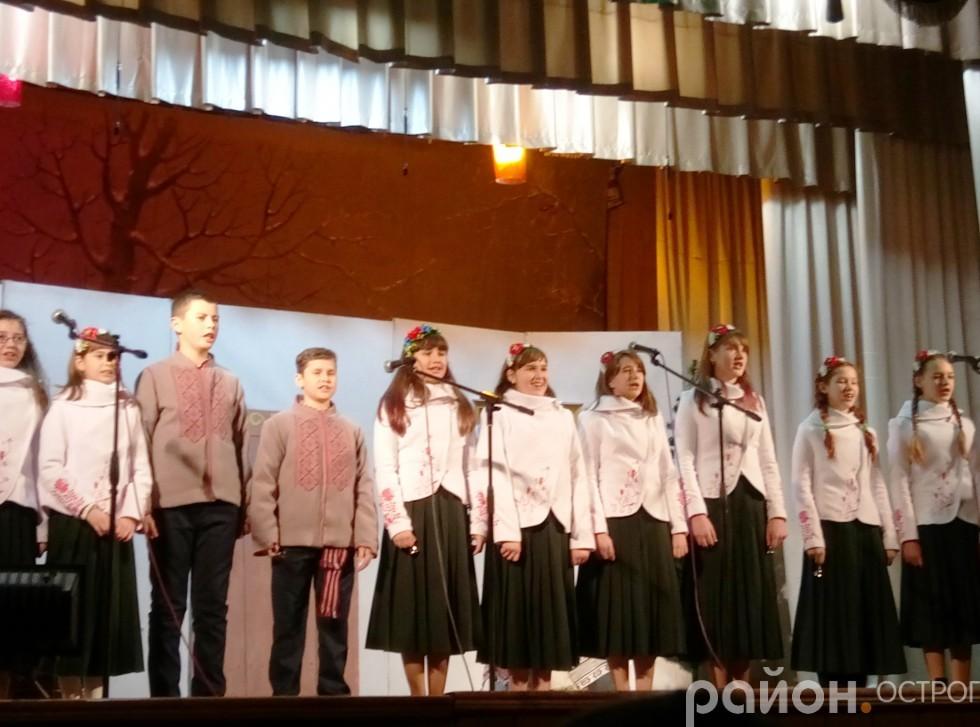 зразкового ансамблю народної пісні «Співаночка» (старша  группа)