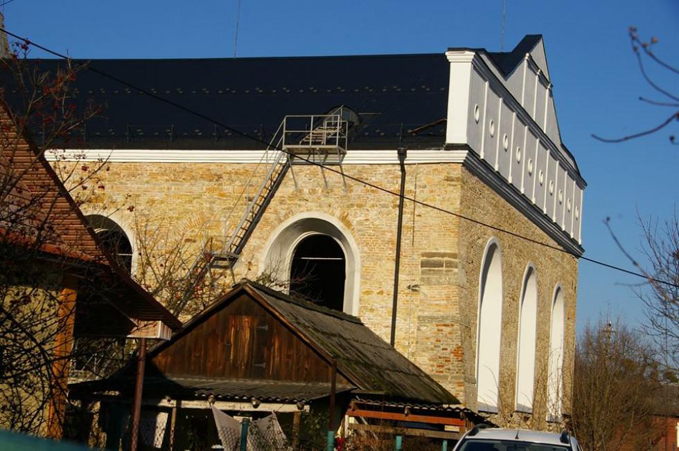 Тривають роботи по відновленню синагоги