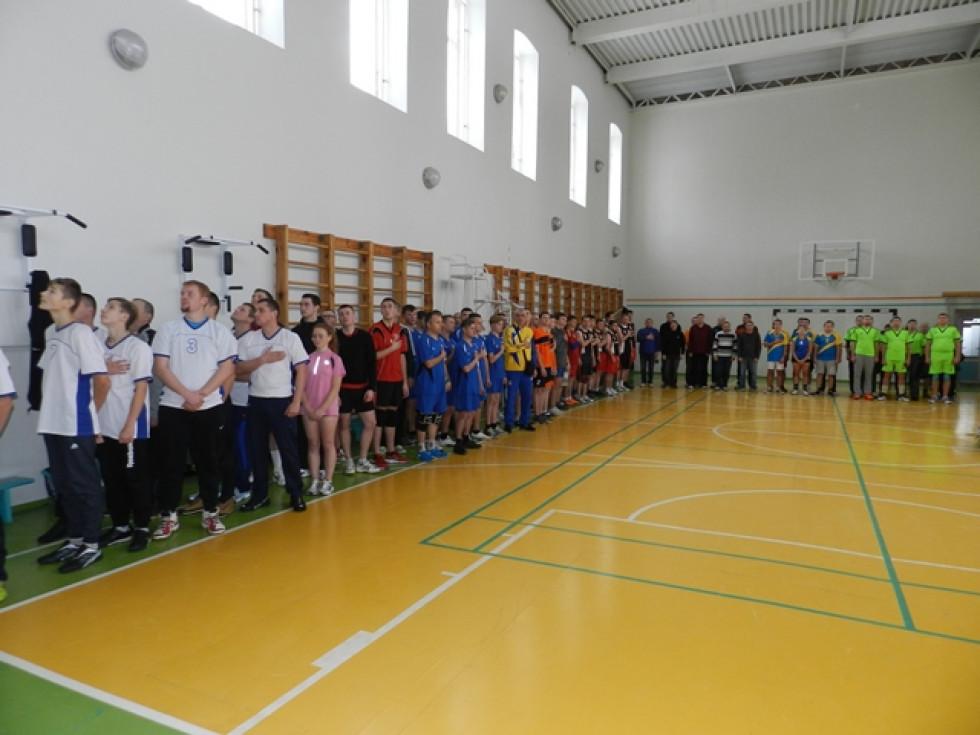 Учасники турнір з волейболу серед аматорів пам'яті Петра Білюка