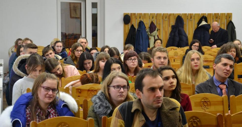 На зустріч з Сергієм Рачинцем прийшло багато студентів