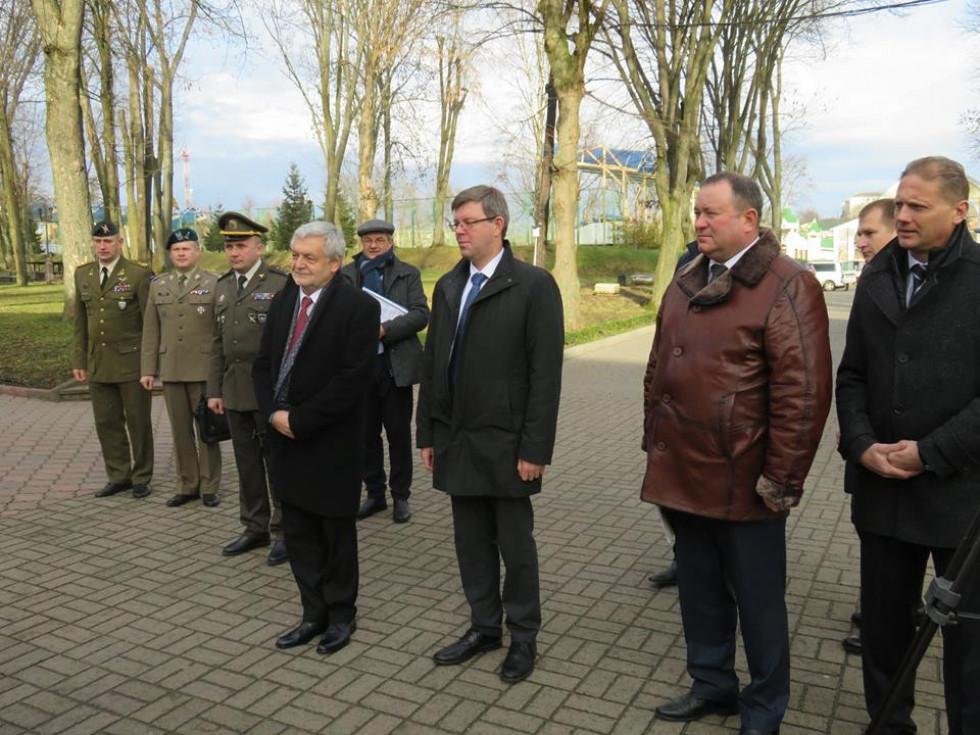 Посол Республіки Польща в Україні Ян Пєкло та посол Литовської Республіки в Україні Марюс Януконіс прибули до Острозької академії