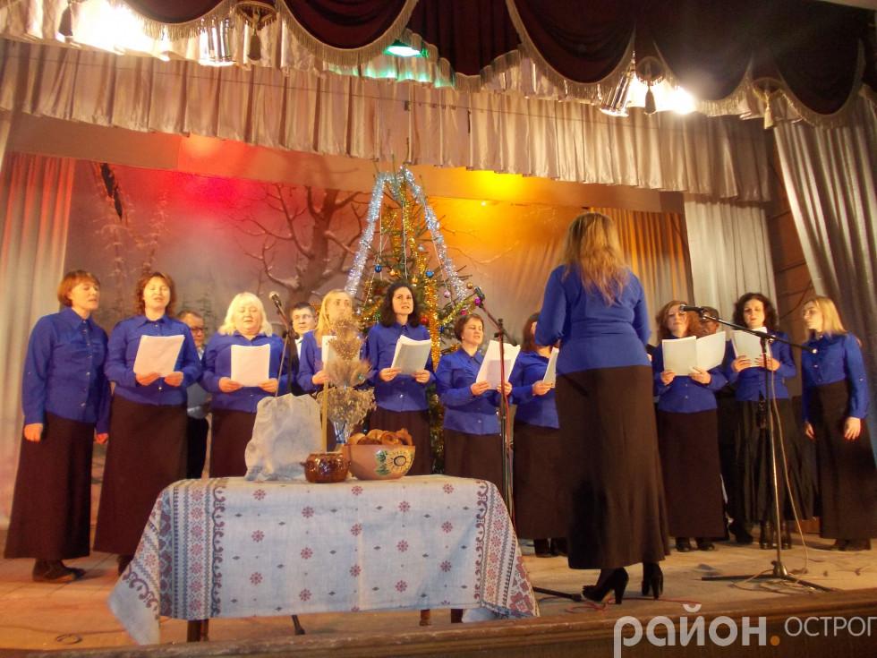 Виступає хор Церкви «Спасіння» Євангельських християн-баптистів