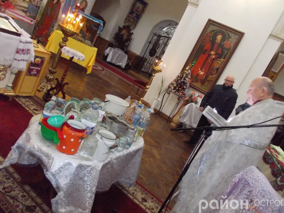 Освячення води в Студентсько-викладацькому храмі преп. Федора Острозького