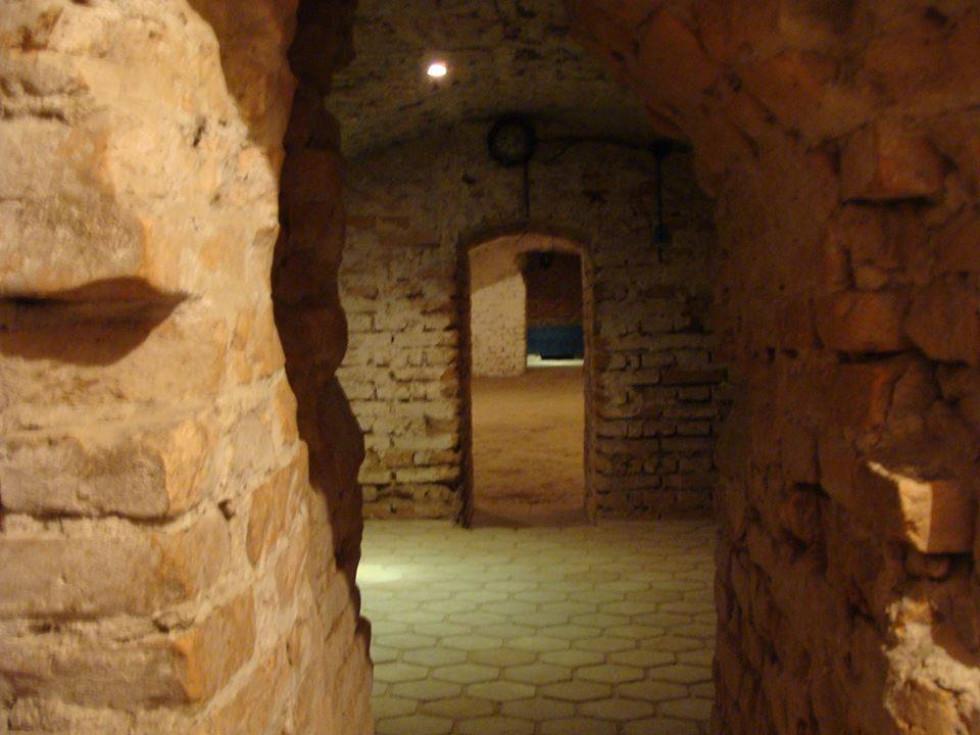 Підземелля колишнього монастиря ордену Братів менших капуцинів