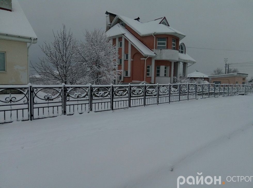вул. Шевченка ( тут мав бути тротуар)