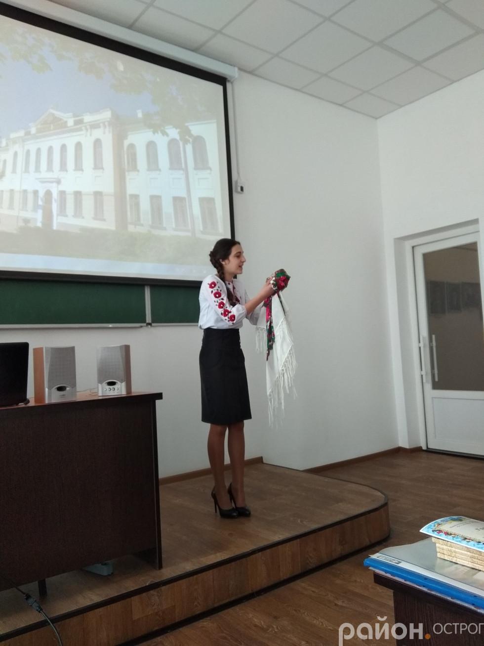 Шліхта Олена, учениця Кутянківської ЗОШ читає вірші Кобзаря