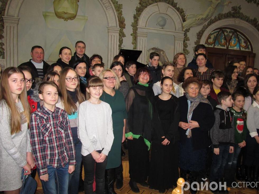 Фото з глядачами