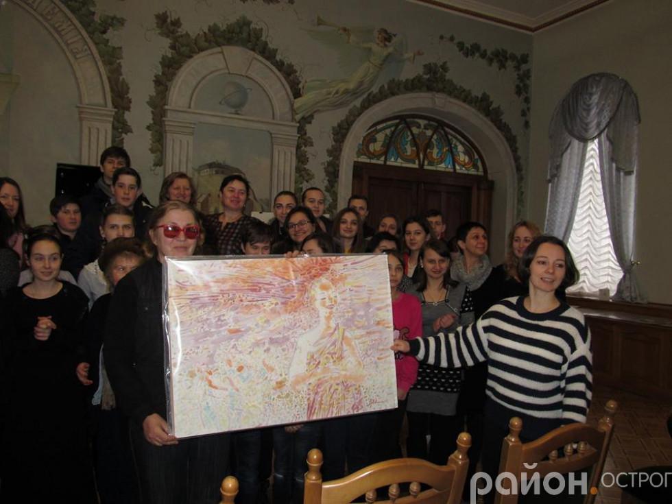 Художниця подарувала картину для Музею історії  НаУОА