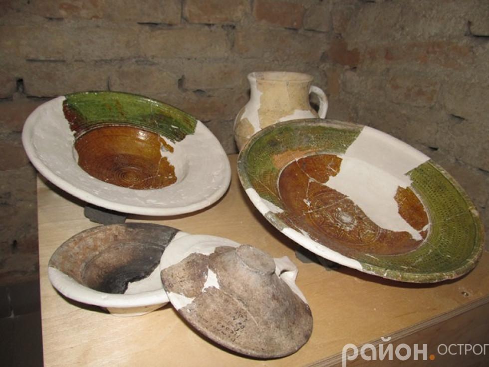 Столовий посуд із кам'яниці