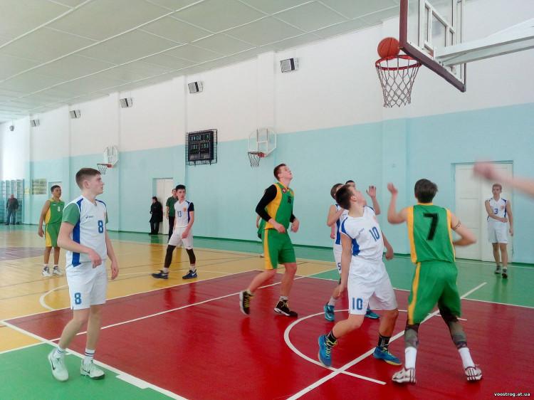 Перемогу на змаганнях острозькі баскетболісти присвятили пам`яті Олега Камінського