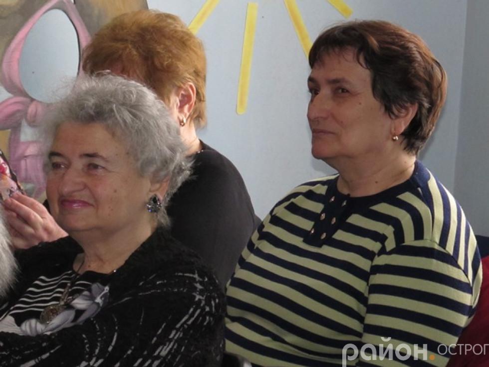Пані Марія Федорчук на передньому плані