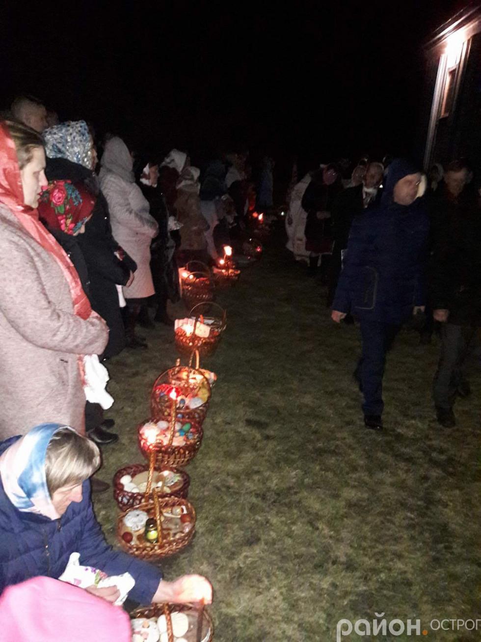 Святковий хресний хід у селі Почапки