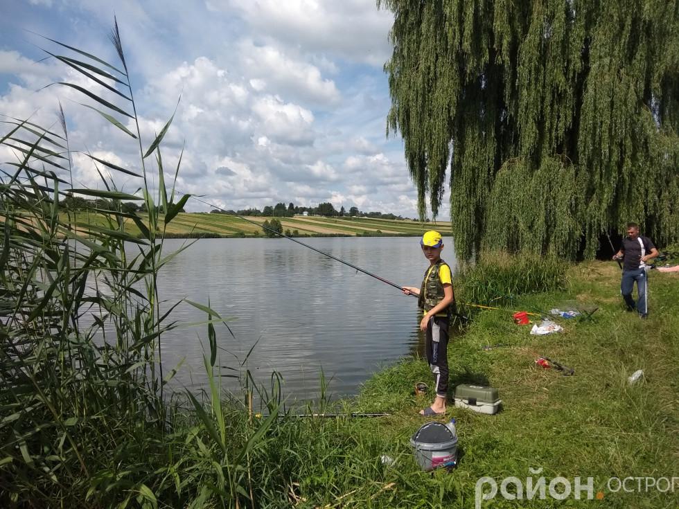 Участь у змаганнях беруть і зовсім юні рибалки