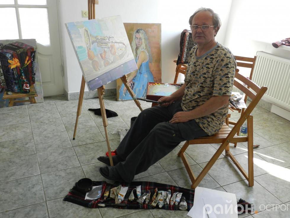 Олександр Гурістюк пише свою роботу