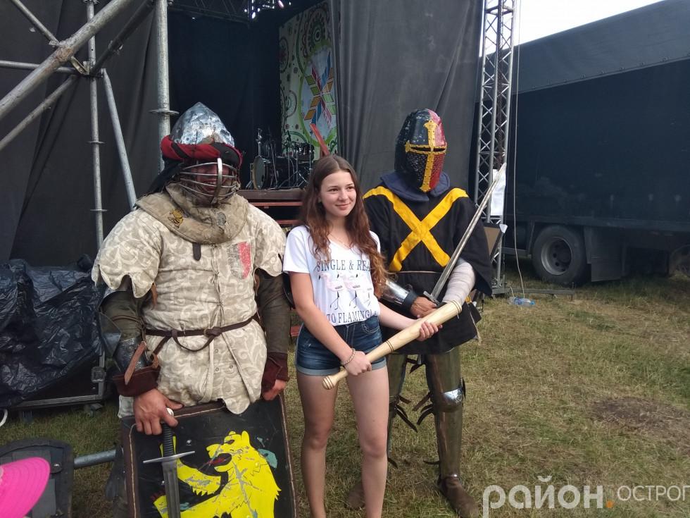 Фото з лицарями