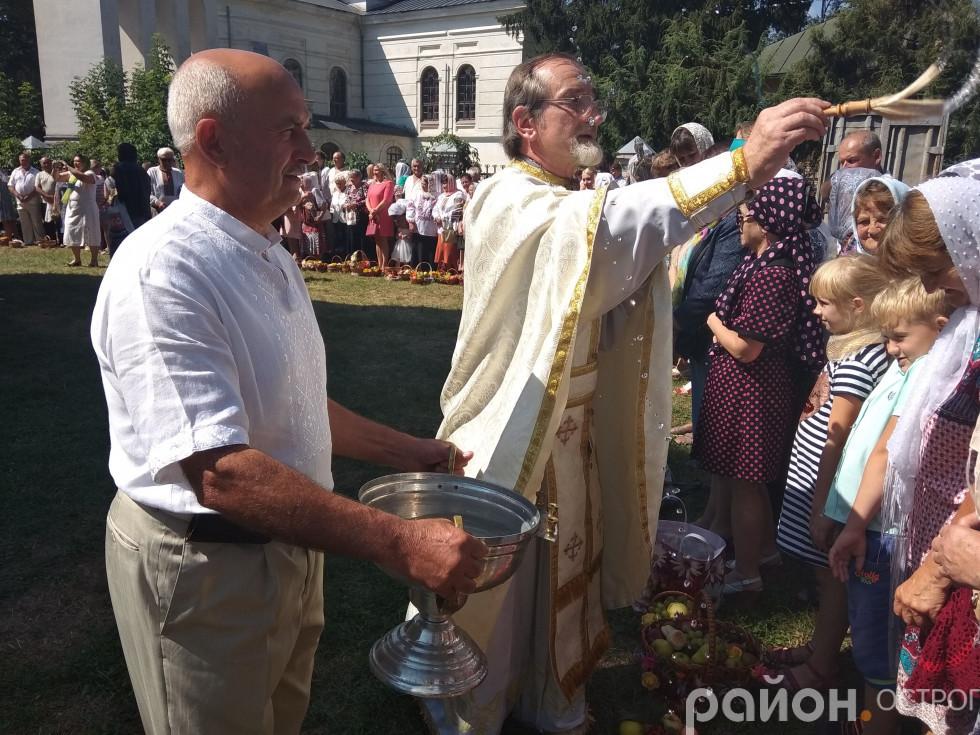 Освячення спасівських кошиків