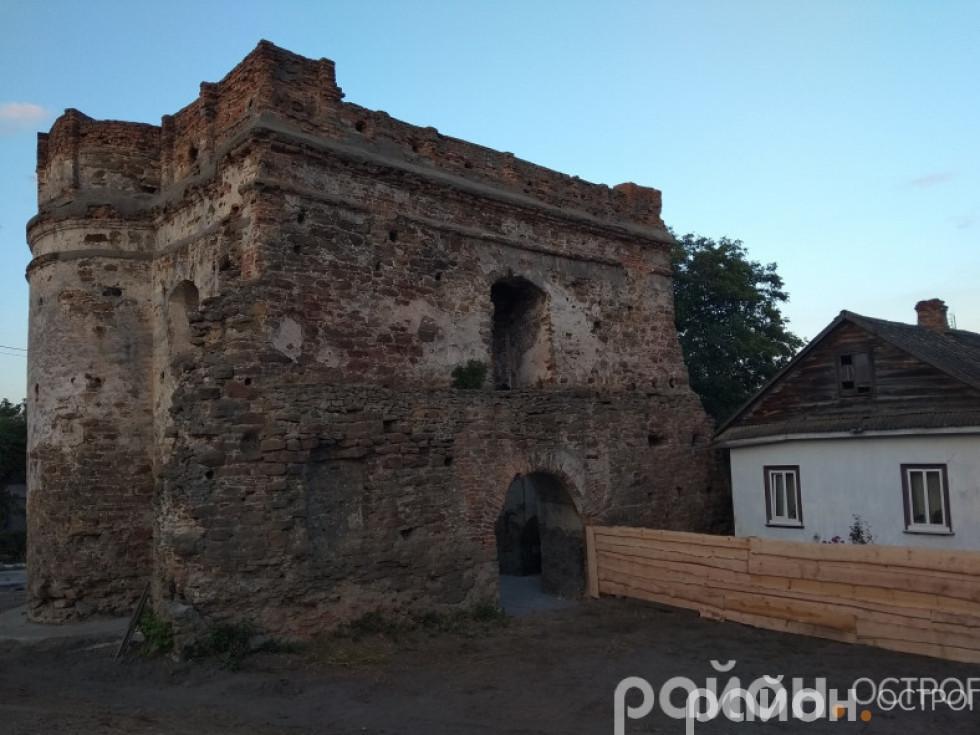 Татарська вежа після однієї з толок