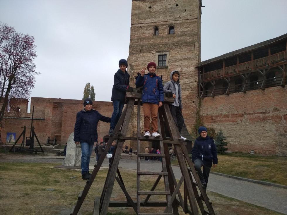 У замку Любарта