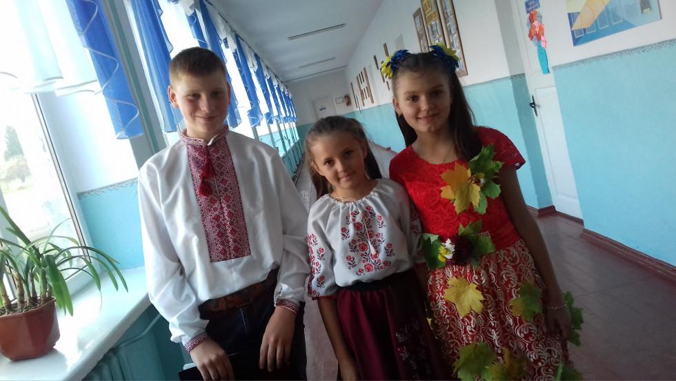 Колоритні українські господиньки й господарі