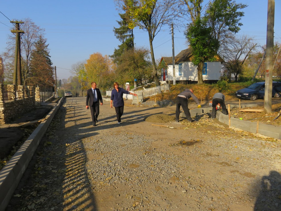 У Новомалині ремонтують дорогу