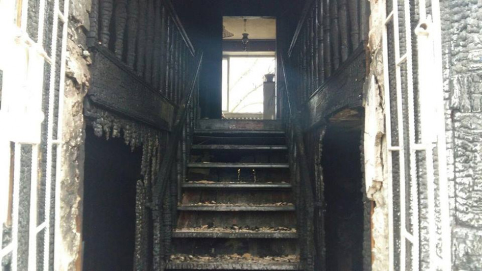 Вогонь пошкодив сходовий майданчик