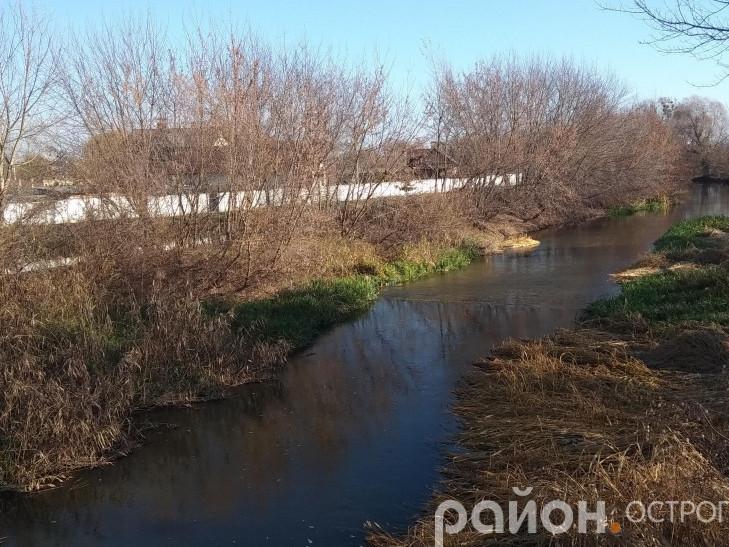 Річка Горинь, що протікає крізь місто