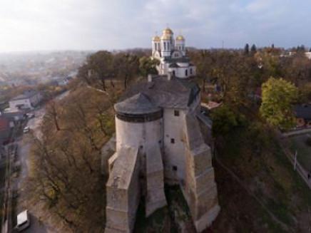 Замкова гора в Острозі (фото з панорамного туру містом)