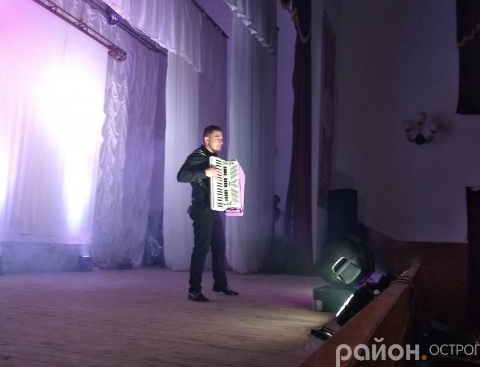Акордеоніст-віртуоз Юрій Дякунчак