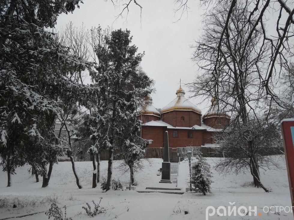 Свято-Миколаївський храм в Острозі