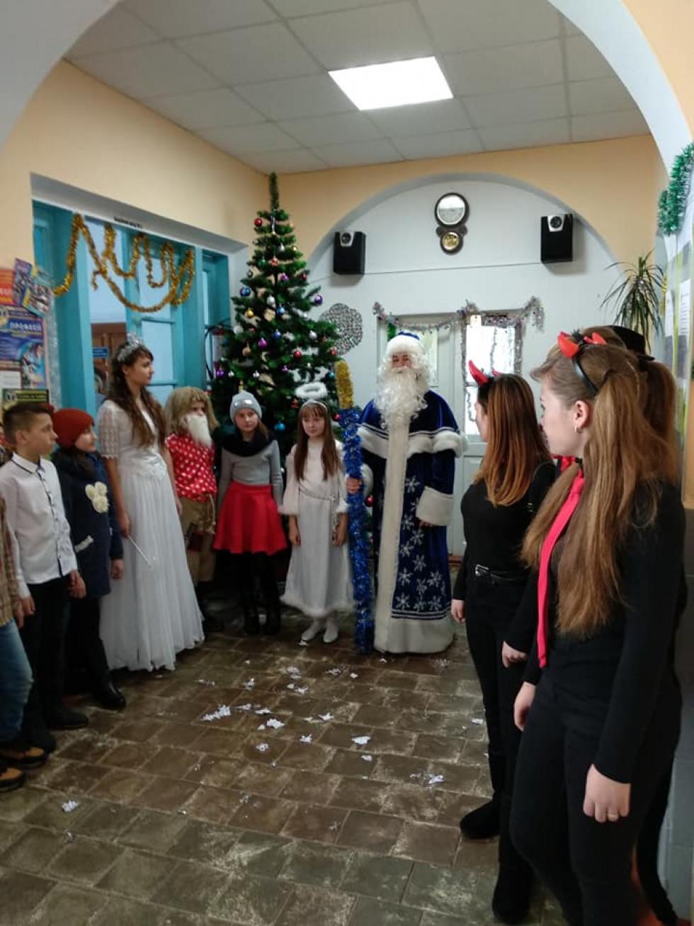До Розважа Миколай прийшов у супроводі ангеликів і чортенят