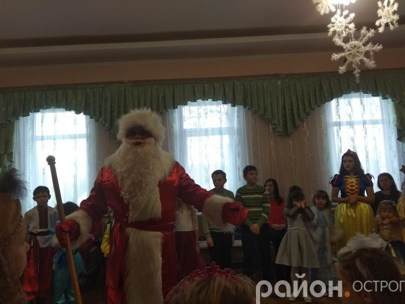 Дід Мороз завітав до Острозької ДШМ