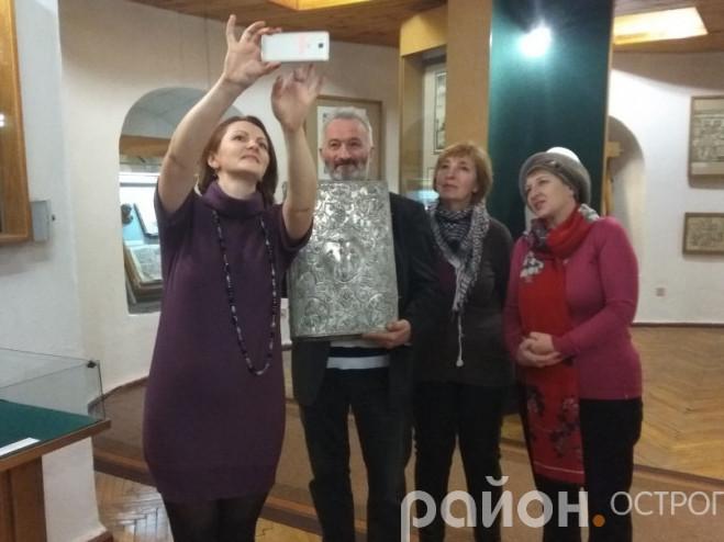 Акція «Селфі зі стародруком» (Музей книги, грудень 2018 року)