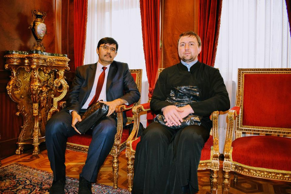 Богдан Стрикалюк (праворуч) та перекладач Ільхам Мірак