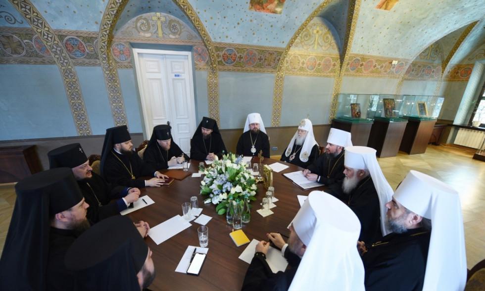 Архієпископ Рівненський і Острозький Іларіон бере участь у засіданні Синоду ПЦУ