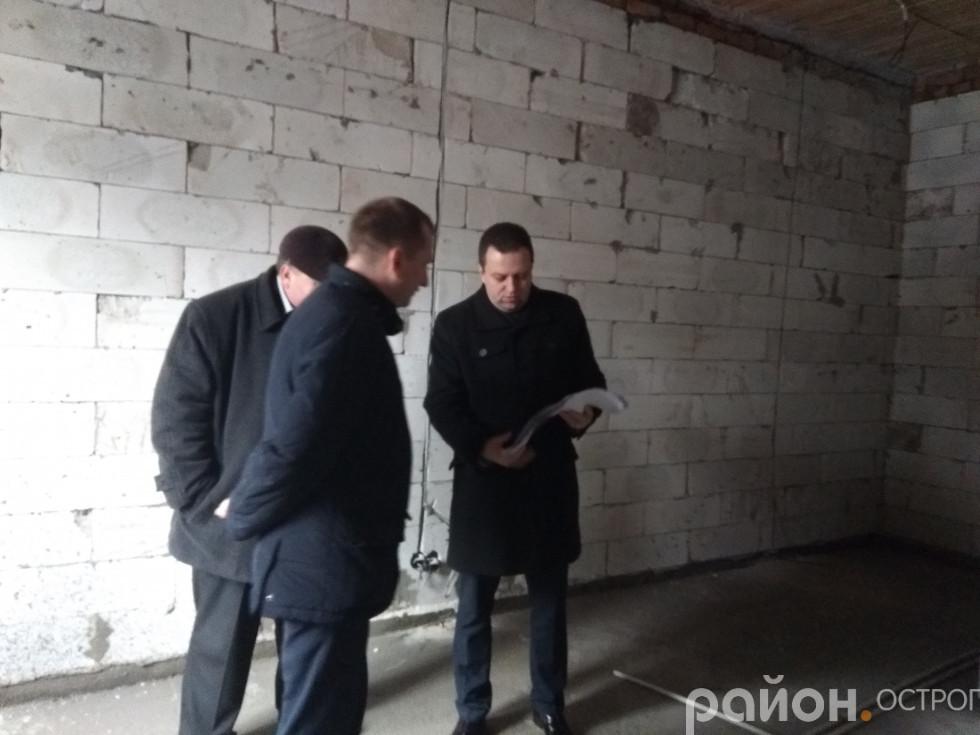 Віталій Ундір і Богдан Турович інспектують перебіг робіт