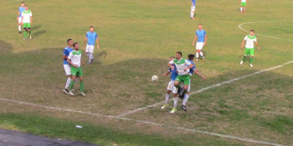 Футбольна боротьба в острозькому дербі