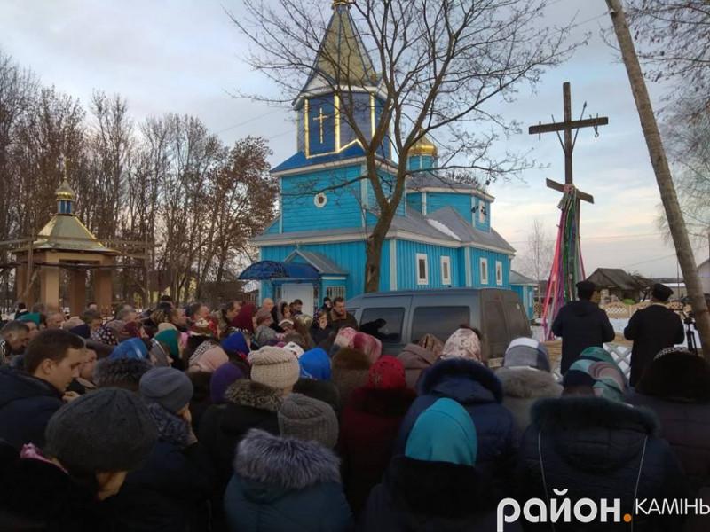 Церквоні збори у селі Брониця