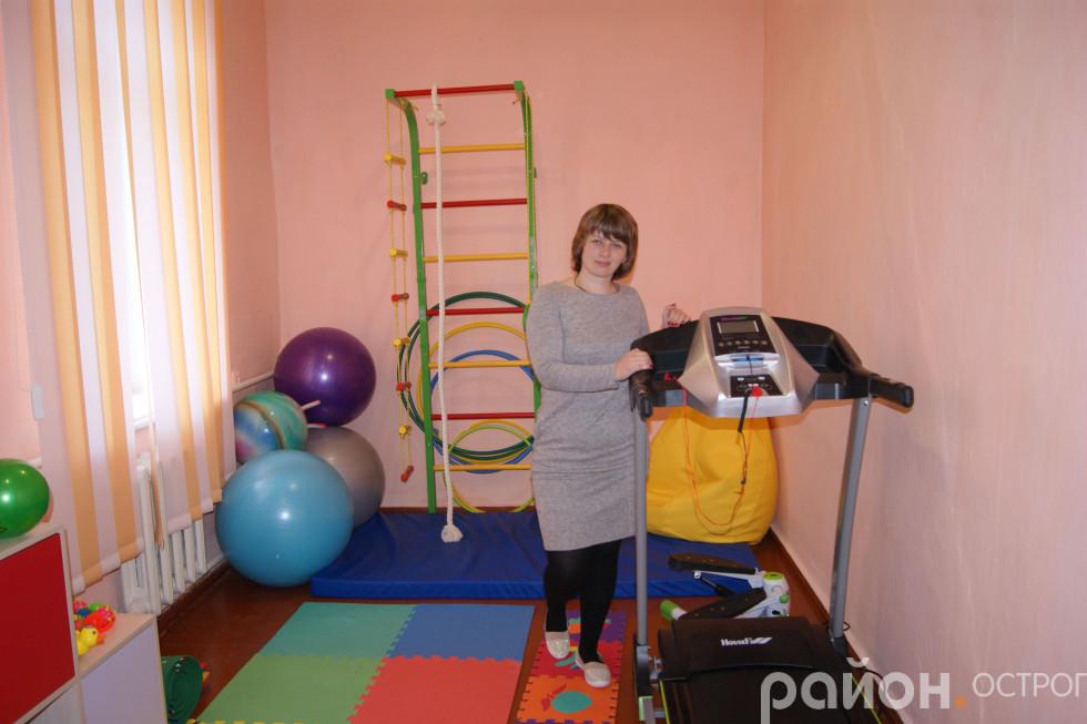 Олена Друзюк у робочому кабінеті